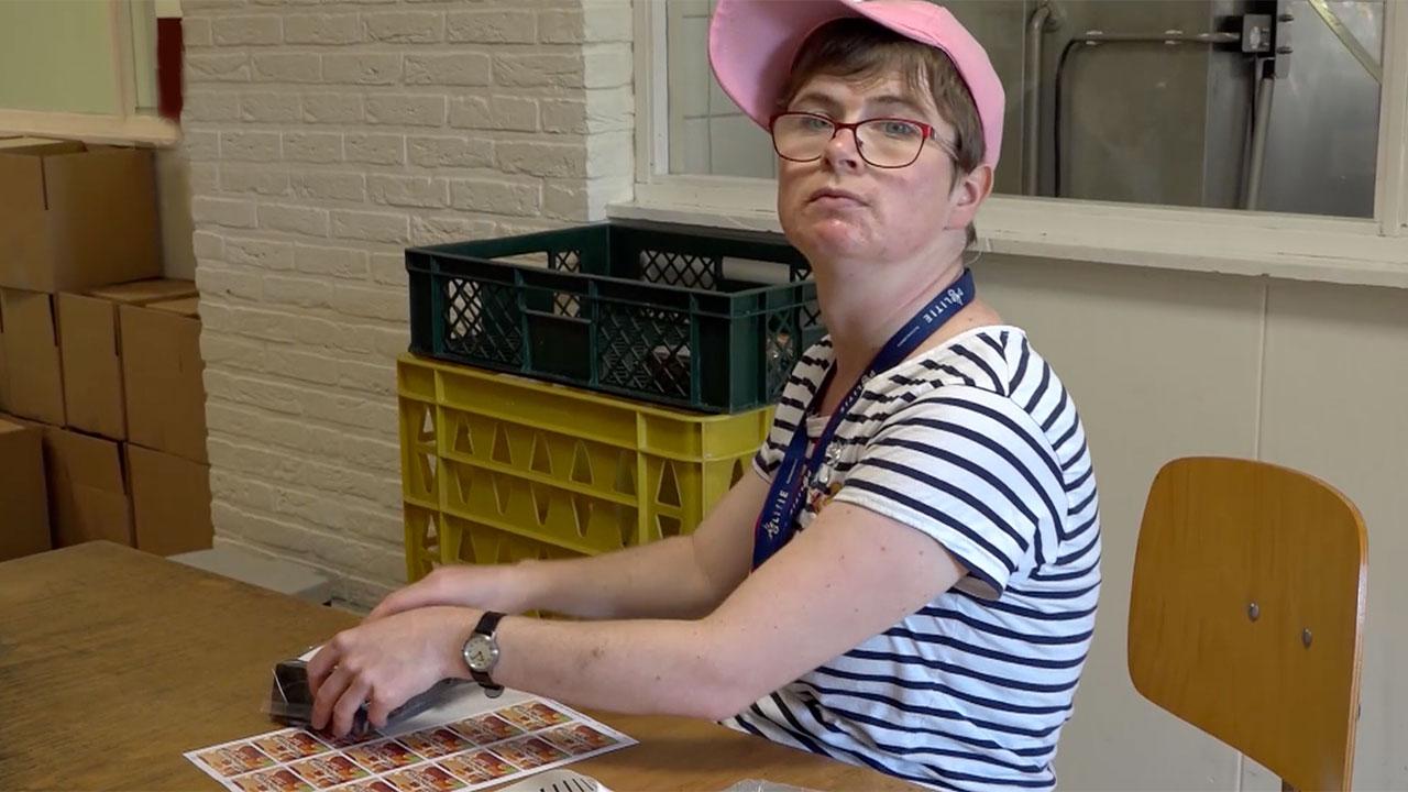 Gwendolyn werkt in de bakkerij