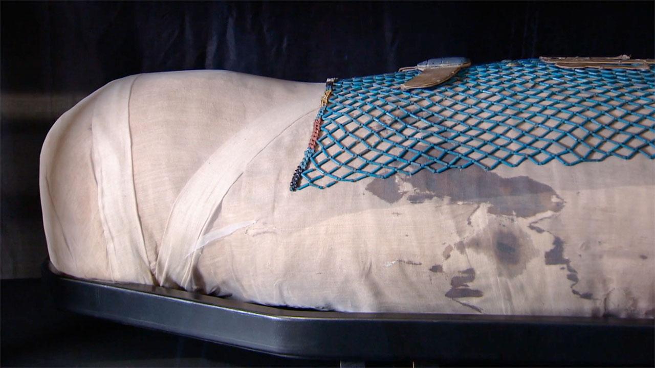 TKKE-3-2 mummie-kralennet.jpg