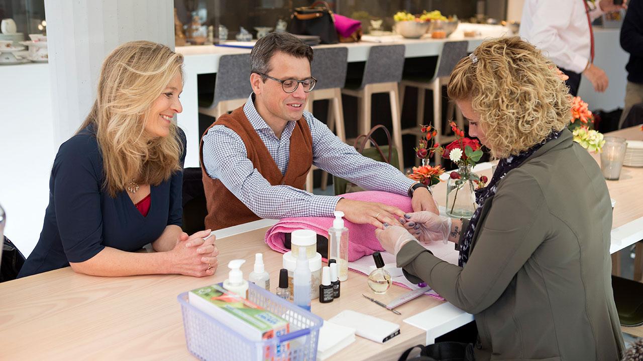 Manicure voor Rob Driessen