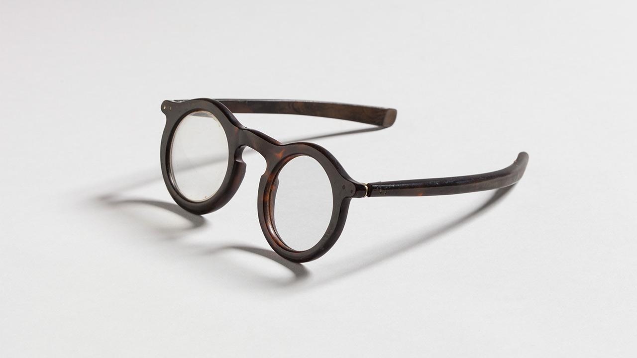 De-bril-van-Han-van-Meegeren.jpg