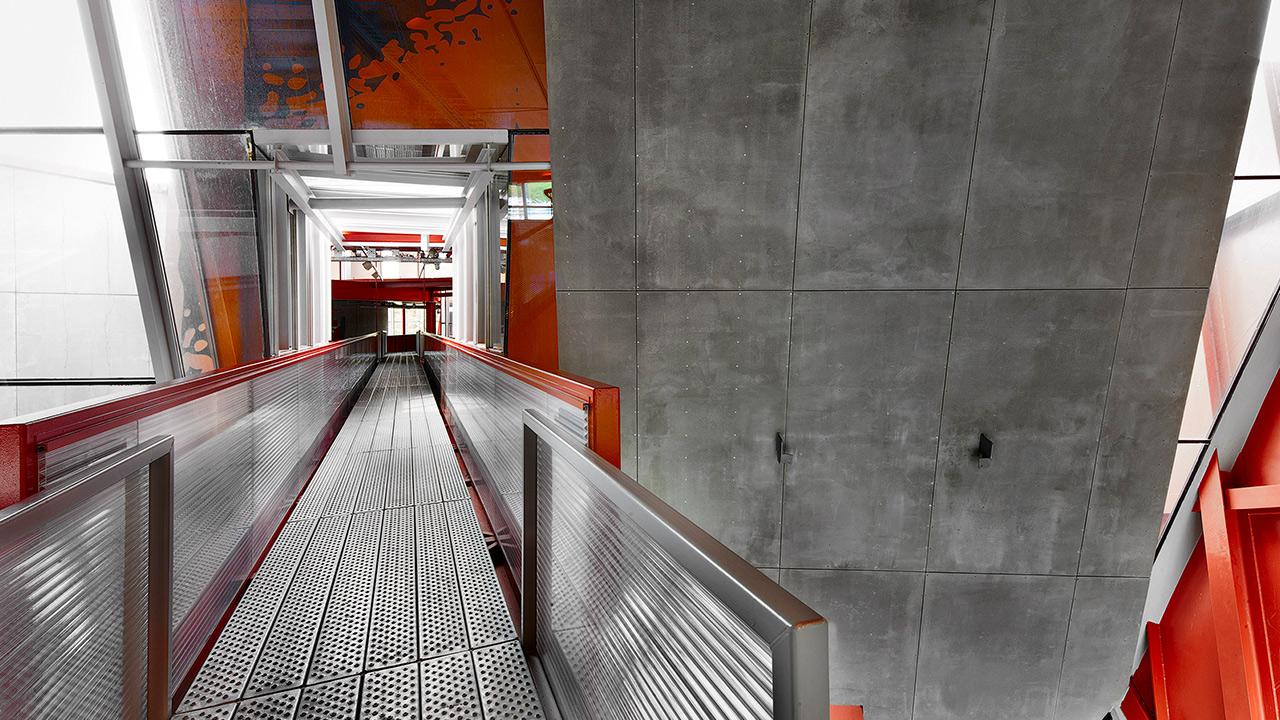 Groninger-Museum-rood.jpg